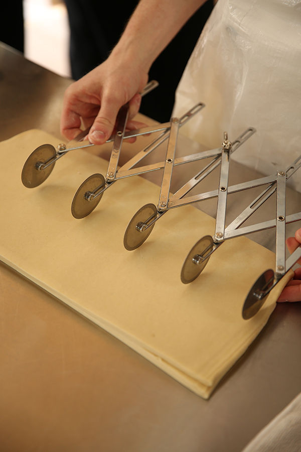 20种面包的基础整形手法,要不来块记忆面包?