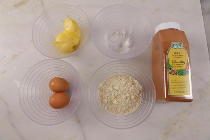如何烤出金黄色的马蹄面包?戳我...