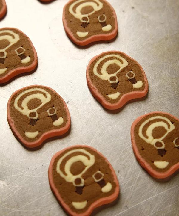 不用模具,教会你这款卡通熊饼干!