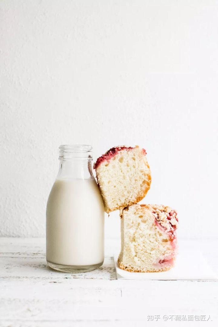 夯实基础 | 如何做个奶味浓郁的面包?