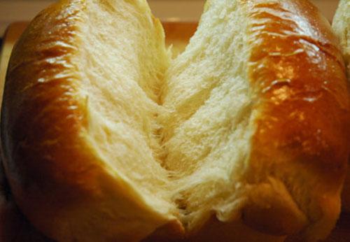高筋粉在面包中的作用