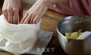 自制黄油——奶油打发过头了怎么办?教你一招变废为宝的做法步骤:9