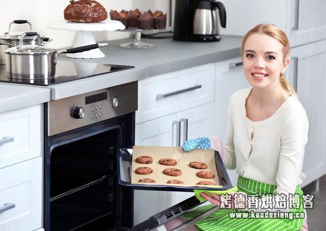 在家搞烘焙到底要准备点什么装备,不如今天就直接给大家科普一下