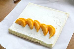 黄桃蛋糕卷(小四卷)的做法 步骤12