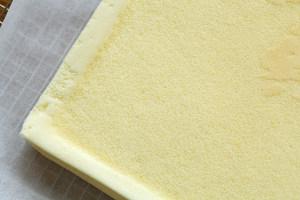 黄桃蛋糕卷(小四卷)的做法 步骤10
