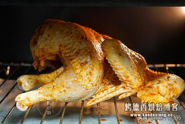 烤鸡别出去买了,一袋酱料腌一腌,自己就能烤,香的直流口水