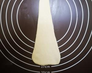 奶香浓郁易上手的鸡蛋鲜奶卷的做法 步骤11