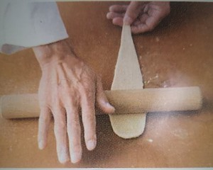 奶香浓郁易上手的鸡蛋鲜奶卷的做法 步骤9