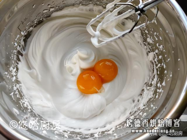 4个鸡蛋1碗面粉,分蛋打发操作,蛋糕不开裂不塌陷,轻松搞定