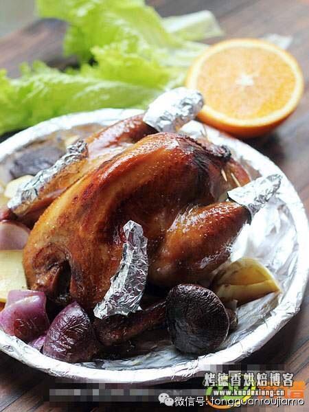 自己在家用微波炉烤鸡,绝对的美味