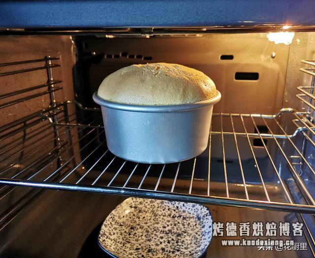 戚风蛋糕,最正确的比例和方法,一步步按照做,就能既松软又香甜