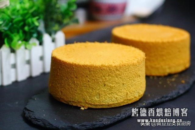 推荐给零基础烘焙爱好者学习的一款蛋糕做法,口感松软细腻